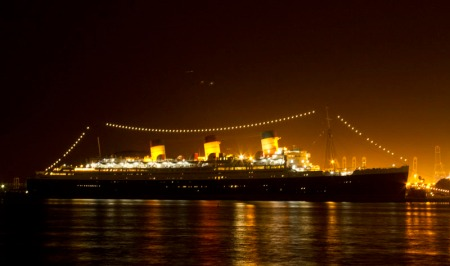 Queen Mary from across the channel. Meta: f/13, 2.5s, ISO 2000 18-55@41mm