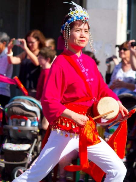 drumming lady in parade