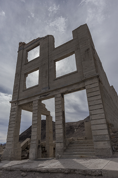 old ghost town building in Rhyolite