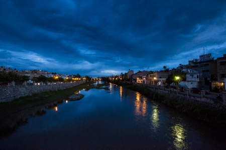 201800825 street & night river-4504FB